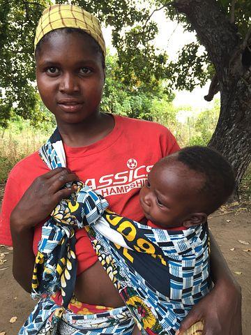 child mozambican-women-