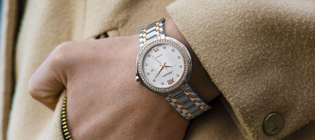 wristwatch-